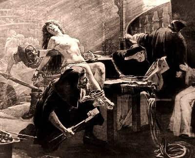 """Os instrumentos de tortura da Inquisição eram verdadeiros """"maquinários de guerra"""" contra as heresias."""