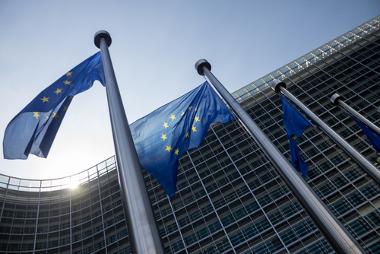 Bandeiras da União Europeia, importante bloco econômico da atualidade