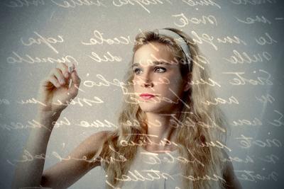 A função metalinguística faz uma análise sobre a própria linguagem e suas diferentes manifestações