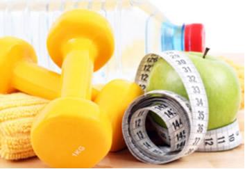 Quando praticamos exercícios físicos e nos alimentamos, perdemos e ganhamos calorias, respectivamente