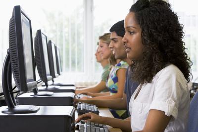 A informática pode ser utilizada para tornar mais interessante o ensino de Física