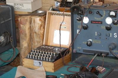 Rádio transmissor alemão usado na Segunda Guerra Mundial *