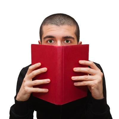 O analfabetismo funcional limita a capacidade de compreensão textual, assim como a realização de operações matemáticas mais complexas