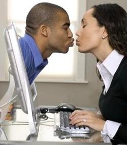 As relações virtuais não devem ser substituídas pelas relações reais