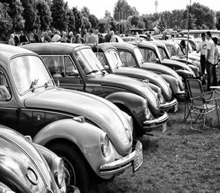Encontro de Fuscas na Alemanha – esse automóvel foi um dos símbolos da indústria automobilística no Brasil.*