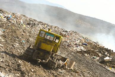 A maior parte do lixo produzido no Brasil é enviada para lixões
