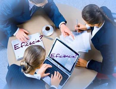 Eficácia e eficiência, sobretudo no campo de administração, apresentam algumas diferenciações de sentido
