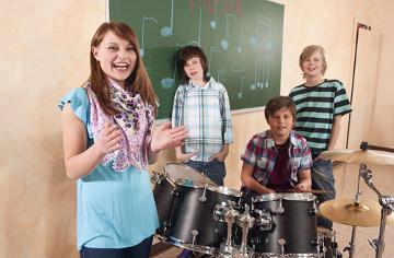 A música, além de fazer bem para a nossa saúde, pode ser usada como ferramenta didática