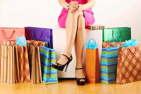 Consumismo significa, basicamente, o ato de comprar muitas coisas que não são necessárias