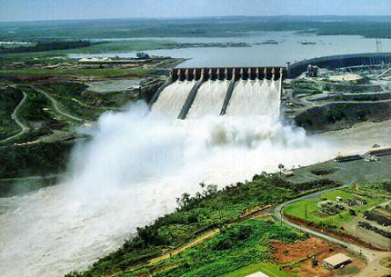 Usina Hidrelétrica de Itaipu (Brasil-Paraguai)