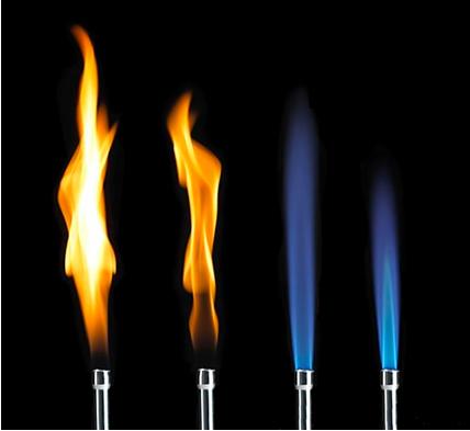 É possível obter basicamente dois tipos de chamas no bico de Bunsen: a amarela e a azul