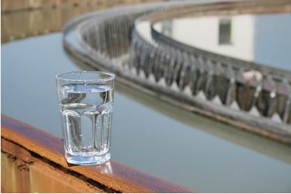 Ajude seus alunos a compreender a importância da preservação dos mananciais de água e dos custos e trabalhos envolvidos em seu tratamento