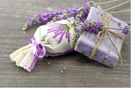 Sabonete artesanal e sachê perfumado