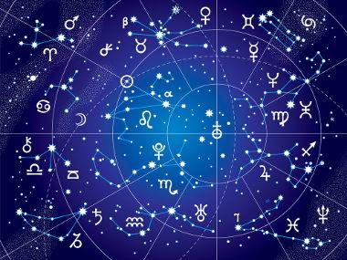 Matemática e astronomia relacionam-se, com isso torna-se possível compreender que a  matemática interpreta o universo