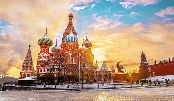 A Catedral de São Basílio é um dos principais pontos turísticos de Moscou e foi construída no século XVI