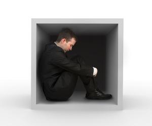 A claustrofobia se caracteriza pelo medo de permanecer em locais fechados