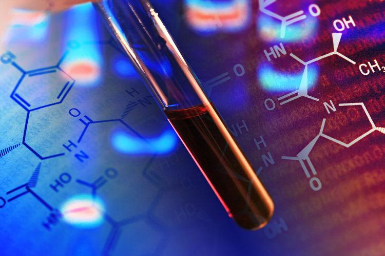 A fórmula estrutural ajuda-nos a entender, por exemplo, a disposição dos átomos na molécula