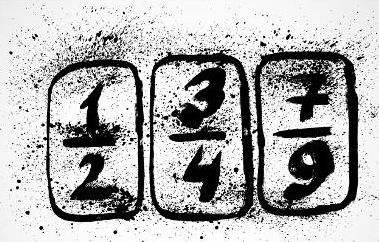 A fração é geratriz quando o seu denominador possui somente o algarismo nove (9, 99...), sendo assim, somente 7 sobre 9 é fração geratriz