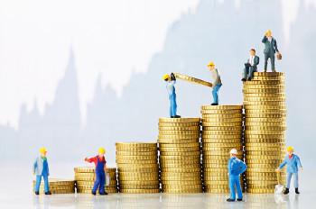 A mais-valia está ligada à geração do lucro e à transformação do investimento em capital