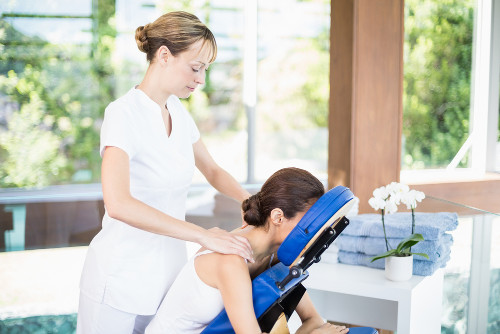 A massagem é um meio pelo qual se busca a melhora para problemas físicos e mentais
