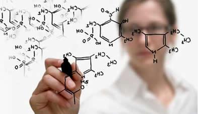 A ozonólise é uma reação entre um alqueno e o ozônio, estudada na Química Orgânica, para a formação de aldeídos e cetonas