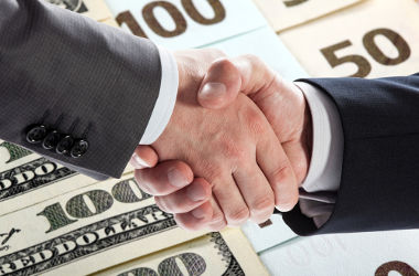 A prática de trustes, cartéis e holdings é realizada pelas empresas em busca de lucros