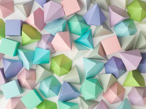 A relação de Euler pode ajudar a determinar elementos de poliedros convexos e de alguns não convexos