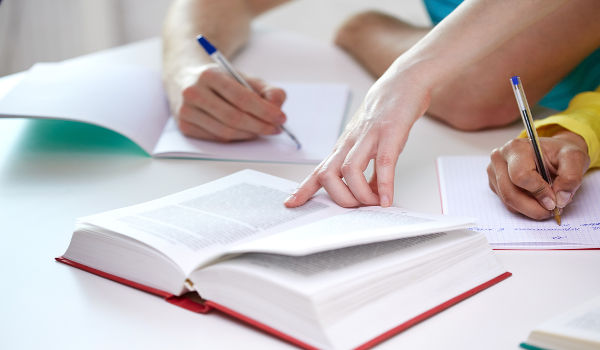 A semântica tem por objeto de estudo o significado das palavras.