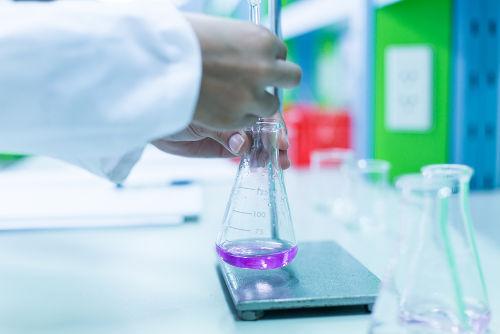 A titulação é um procedimento laboratorial extremamente comum.