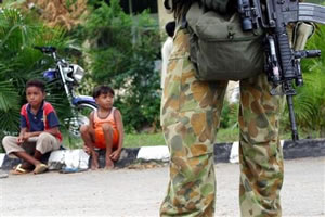 Soldados no Timor
