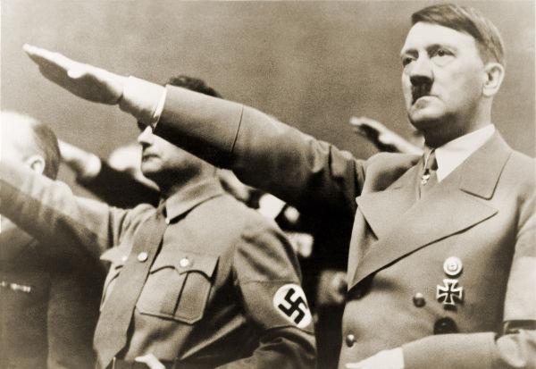 Adolf Hitler foi o grande líder e o responsável por formular a ideologia do Partido Nazista.*
