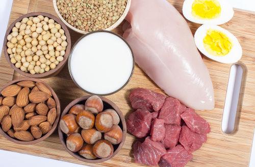 Alimentos que apresentam proteínas em sua constituição, que é a forma como são encontrados os aminoácidos