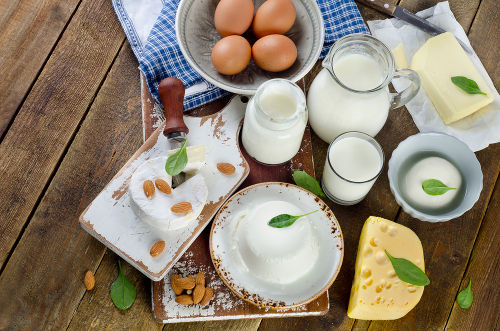 Alimentos que possuem proteínas em sua composição podem ser utilizados no teste do biureto