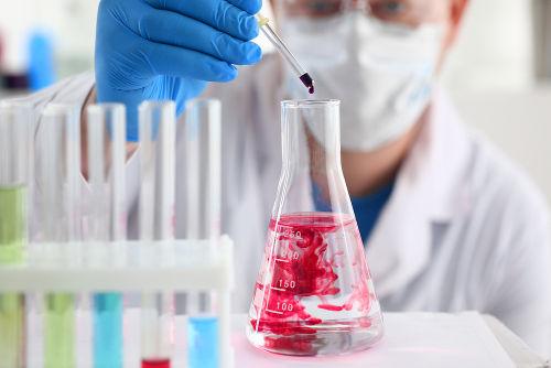 Análise do deslocamneto de um equilíbrio químico na prática.