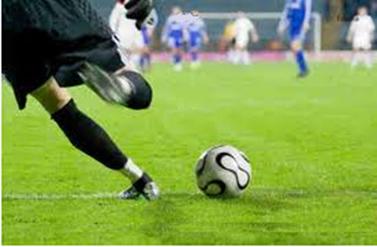 Ao chutar uma bola, o vetor posição da bola terá sua origem no ponto do gramado onde ela estava