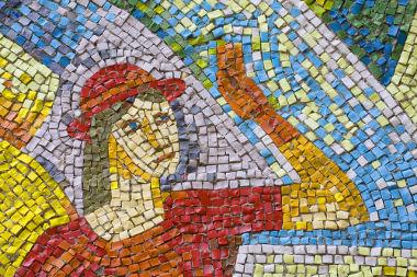Ao utilizar as tesselas, confeccionamos mosaicos que podem representar um desenho ou estruturas geométricas