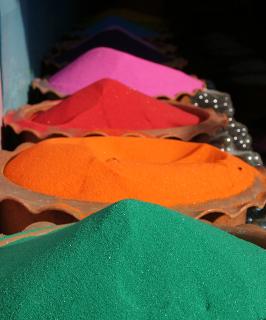 Areias coloridas podem ser usadas nesse experimento