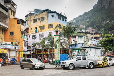 As favelas são aglomerações urbanas que possuem características distintas umas das outras *