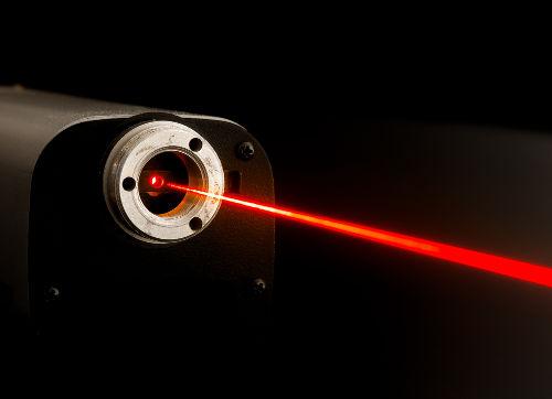As interações da luz com as substâncias podem ser usadas para determinar a qualidade de um produto