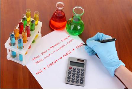 Depois da titulação em laboratório, é hora de fazer os cálculos!