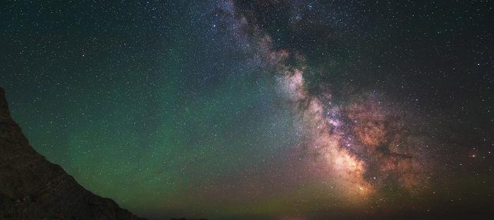 O formato das galáxias depende da existência de uma matéria exótica chamada matéria escura.
