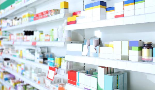 Cada cor de tarja de medicamento indica o seu grau de risco à saúde