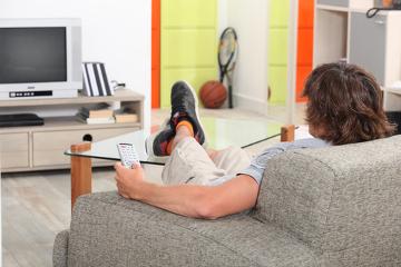 Ficar várias horas sentado pode desencadear problemas de saúde