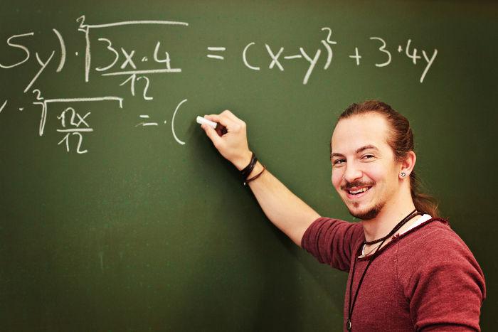 Cálculo de raízes por meio de simplificação de radicais