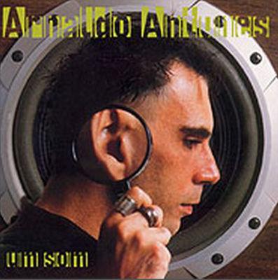 Capa do disco Um som, Arnaldo Antunes. Gravadora BMG
