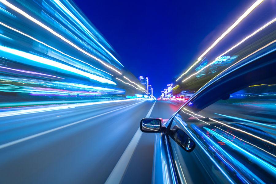 A aceleração é a medida da variação da velocidade em função do tempo.