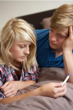 Às vezes uma gravidez indesejada pode levar a uma série de comportamentos de risco, incluindo práticas de aborto