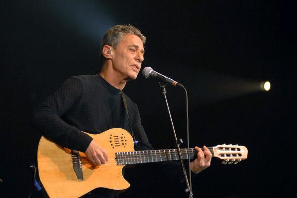 Chico Buarque é um dos principais cantores e compositores brasileiros.*