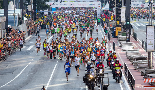 Mais de 30 mil competidores participam da São Silvestre todos os anos.*