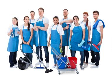 A terceirização é comum na prestação de serviços como limpeza, segurança e atendimento